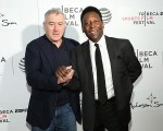 Pelé no Festiva de Cinema de Tribeca ao lado de Robert De Niro, cofundador do evento