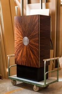 Vermeil lança coleção de móveis com exposição em São Paulo. Aos detalhes!