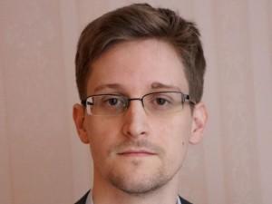 Edward Snowden faz aniversário no exílio com projeto de curta pela frente