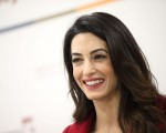Amal Clooney, mulher de George Clooney, dá palestra no EY World Entrepreneur Of The Year em Mônaco