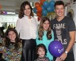 Rodrigo Faro e Vera Viel com as filhas Clara, Maria e Helena!
