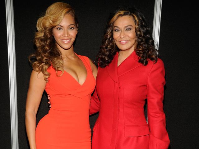 Beyoncé não gostou muito de seu vestido de noiva criado pela mãe – Glamurama