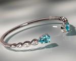 Bracelete Ara Vartanian feito com turmalina paraíba e diamantes