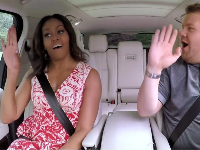 Michelle Obama canta 'Single Ladies' no programa de James Corden
