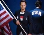 Polo Ralph Lauren cria jaqueta iluminada para a delegação americana
