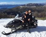 Klebber Toleto e Camila Queiroz engatam férias românticas em Bariloche
