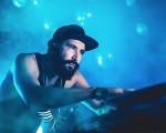 O brasileiro Omulu é considerado por Diplo um dos melhores produtores musicais atuais. Tá?