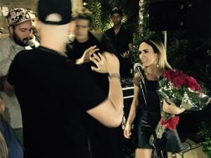 Tatá Werneck ganha selinho de Bruna Marquezine em festa de aniversário