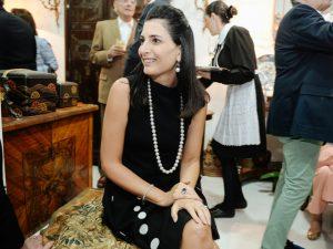 Tania Derani comemora aniversário nesta segunda em Paris
