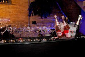Bate-papo de Francis na Casa Glamurama terá brinde com Martini