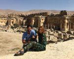 Sabrina e Duda nas ruínas do templo romano Baalbek