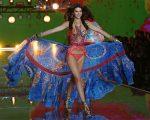 Kendall Jenner na passarela do Victoria's Secret Fashion Show