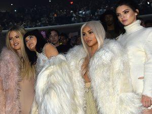Khloé Kardashian, Kendall e Kylie Jenner cancelam aparições públicas