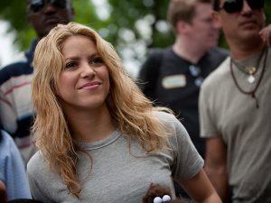 Doação milionária de Shakira às vítimas do furacão no Haiti é mentira!