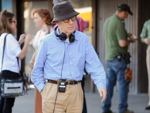 Woody Allen fala sobre o medo de filmar no exterior e a mania de contar os passos. Oi?
