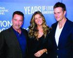 Arnold Schwarzenegger, Gisele e Tom Brady no lançamento da série