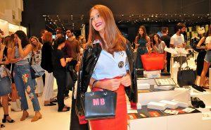 Schutz lança coleção STAMP e apresenta campanha com Marina Ruy Barbosa