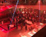 Geral do subsolo do MASP, palco da noite de gala com show de Marisa Monte
