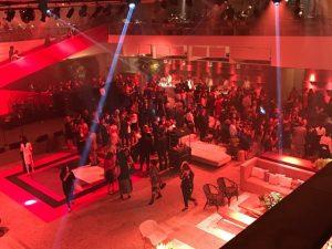Baile de gala do MASP agita o mundo das artes com show de Marisa Monte