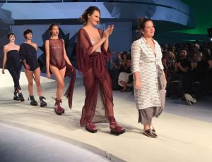 12 estilistas, um time de tops e o poder da transformação: o que rolou no desfile do SENAI Brasil Fashion