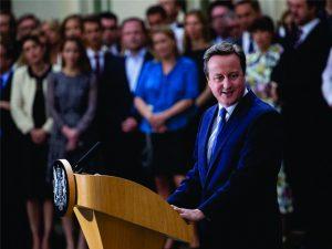 Ex-premiê britânico David Cameron fatura mais de R$ 500 mil com…