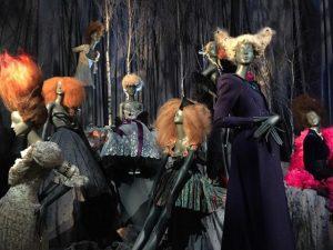 Exposição em Londres homenageia o icônico hair stylist Sam McKnight