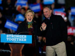 Hillary Clinton arma festão para agradecer às doações milionárias