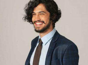Gabriel Leone será carcereiro em nova série com Rodrigo Lombardi