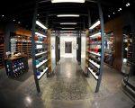 Além dos produtos especiais por lá é possível encontrar os tênis, acessórios exclusivos e itens de vestuário