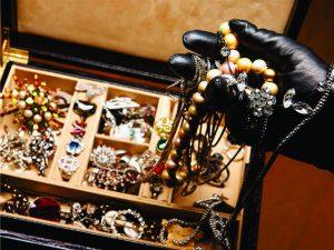 Ladrões levaram mais de US$ 6 mi de joalheria de NY na noite da virada
