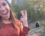 Que tal uma selfie com um dos ursos mais perigosos dos Estados Unidos? Ela fez...