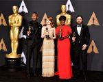 Mahershala, Emma, Viola e Casey: vencedores nas categorias de atuação