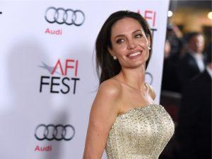 Entrevista de Angelina Jolie para a rede BBC teve dedo de política britânica
