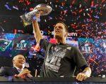 Tom Brady celebra a vitória no Super Bowl