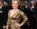 """Meryl Streep com look Lanvin no Oscar 2012. Esse ano ela ganhou a estatueta por sua atuação em """"A dama de ferro"""""""