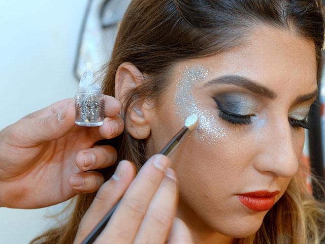 Detalhes da maquiagem de Luiza D´angelo para o baile do Copa
