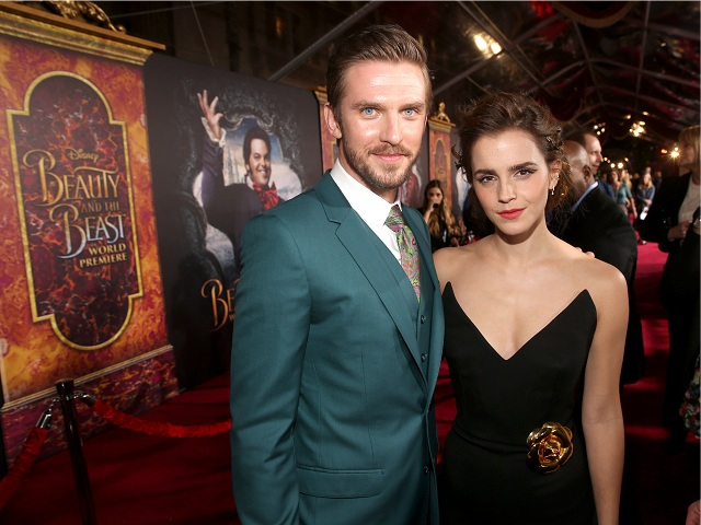 Dan com a colega de cena Emma Watson