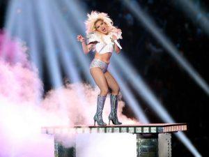 Gaga, a aniversariante do dia, vive o melhor momento de sua carreira!