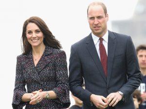 Linguagem corporal de Kate Middleton em viagem a Paris diz muito. Entenda