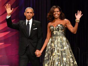 Barack e Michelle Obama vão embolsar US$ 60 mi para escrever autobiografias