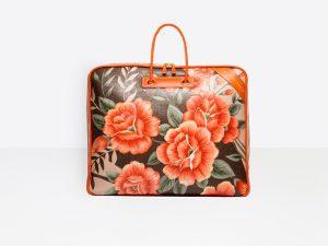 Desejo do Dia: viajar à moda antiga com a mala de mão Balenciaga