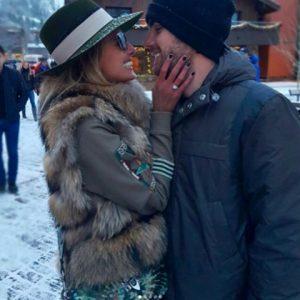 Juliana Carvalho e Antonio Bordon ficaram noivos em Aspen