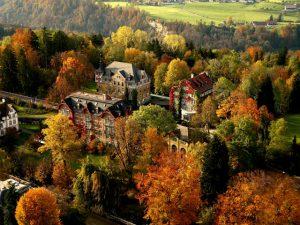 Institut auf dem Rosenberg, na Suíça, foca na educação dirigida há 125 anos