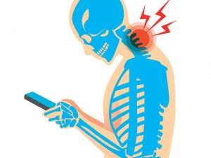 O celular está mudando a nossa postura. Os perigos dessa prática?