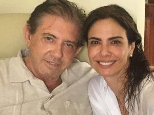 """Luciana Gimenez visita médium João de Deus e se diz """"encantada com a energia de luz"""""""