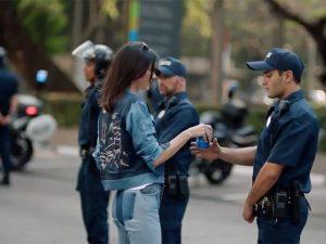 Tudo sobre a polêmica envolvendo Kendall Jenner em comercial da Pepsi
