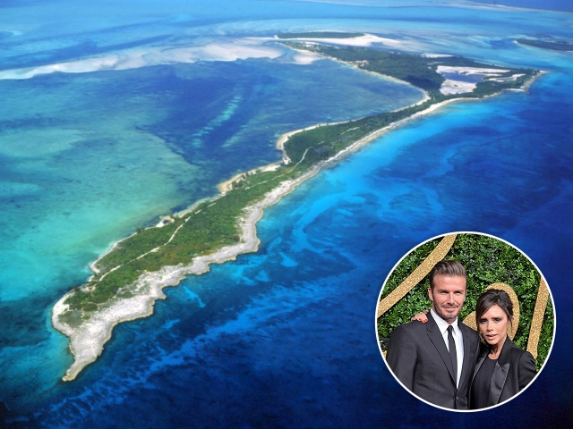 A ilha Bird Cay, e o casal David e Victoria Beckham || Créditos: Getty Images