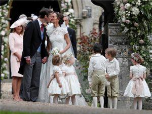 Casamento de Pippa Middleton criou saia justa para a família real britânica