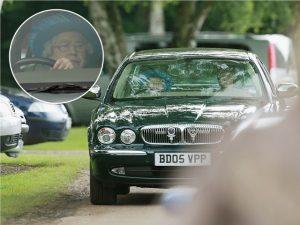 Rainha Elizabeth dispensa motorista e assume volante de seu Jaguar