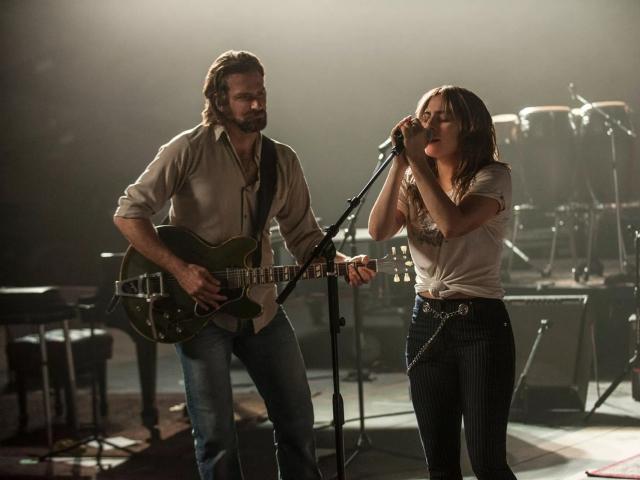 """Bradley Cooper e Lady Gaga em cena de """"Nasce Uma Estrela"""""""